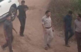 भारतमा बलात्कारपछि हत्याको घटनाका चार सन्दिग्धको 'प्रहरी इन्काउन्टरमा मृत्यु'